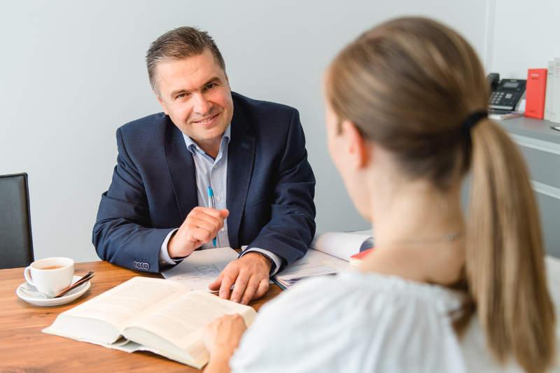 Beratungsgespräch mit Rechtsanwalt Hausel aus Cadolzburg